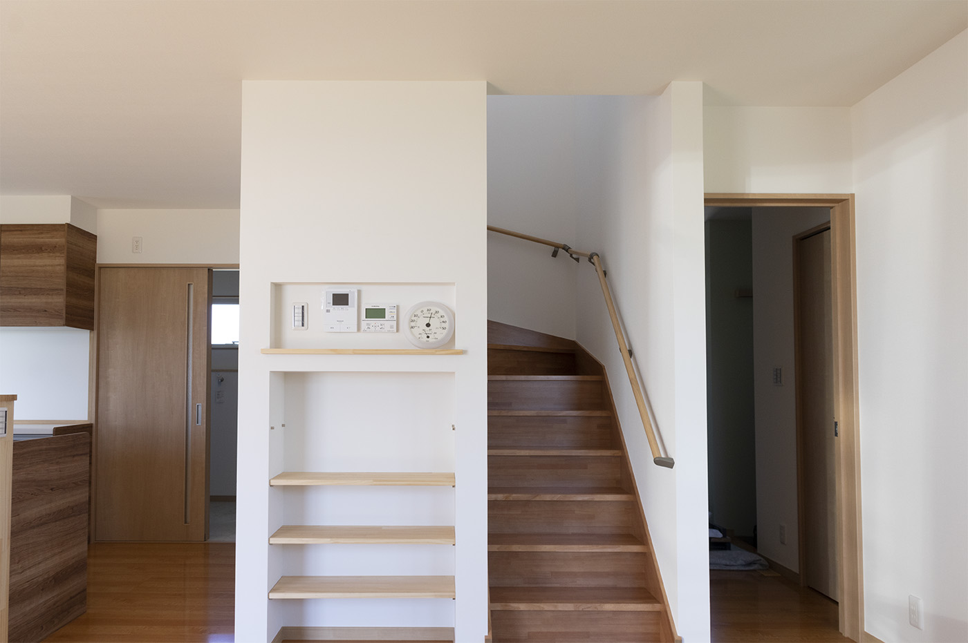 リビングから続く2階への階段